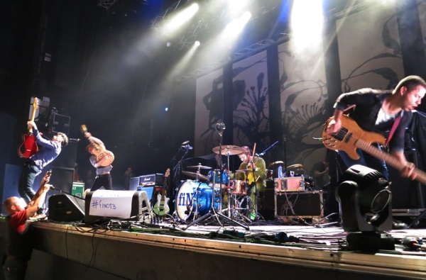fiN, Live, Tilburg, Rocking out, Guitars